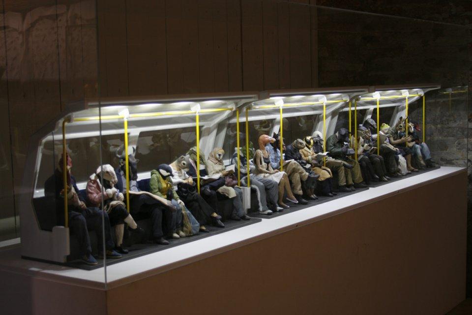 Alessandro Gallo, Metro, 2011, argilla, mezzi misti, 270 x 45 x 35 cm